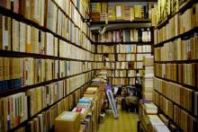 las librerias de segunda mano se colapsan de libros la tienda de paco