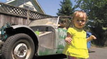 Con 14 meses de edad a comprado su primer coche online la tienda de paco